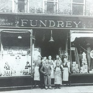 Photograph of Fundreys at No 25, c.1930