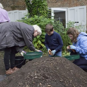 Sieving for finds | Taleyna Fletcher