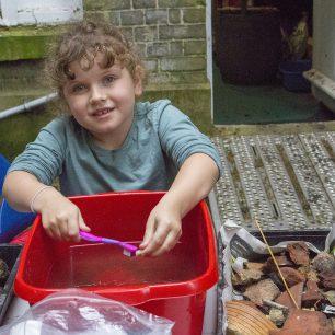 Washing the finds | Taleyna Fletcher