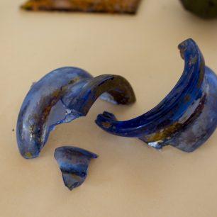 Fragments from a C18th? glass jar | Taleyna Fletcher