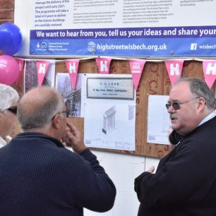 Cllr David Oliver talking about the plans for 24 High Street | Mike Forrest