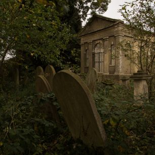 2. Building in context - Wisbech Leverington Road Cemetery | Gary Garford