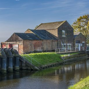 2. Pumping station near Wisbech - building in context | Mike Forrest