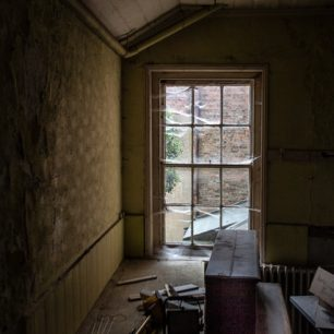 Photography Workshop Challenge at The Wisbech Working Mens Institute | Roger Rawson