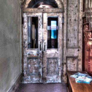 Doors or portals 3 | Richard Cassidy