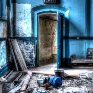 Doors or portals 6 | Richard Cassidy
