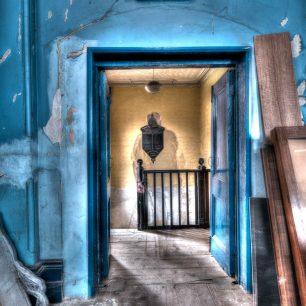 Doors or portals 7 | Richard Cassidy
