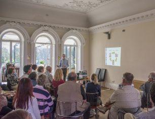 Dr David Watt talking at a Conservation Workshop | Mike Forrest