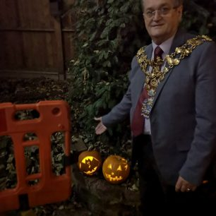 Mayor of Wisbech judging the pumpkins | Lorena Hodgson