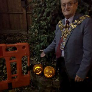 Mayor of Wisbech judging the pumpkins | Lorena Hodgson