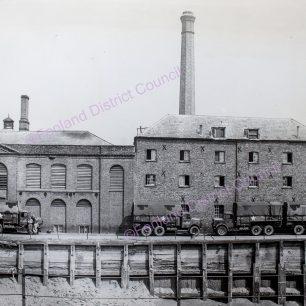 Nene Parade, Mills Brewery site 1944-45